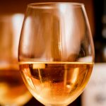 ¿De qué se trata el vino naranja?