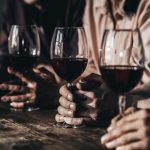 Cómo organizar una cata de vinos con los amigos