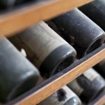 Uvas con historia: los cinco vinos que perduran a pesar de los años