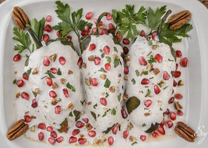 ¿Cuál es el vino ideal para acompañar los chiles en nogada?
